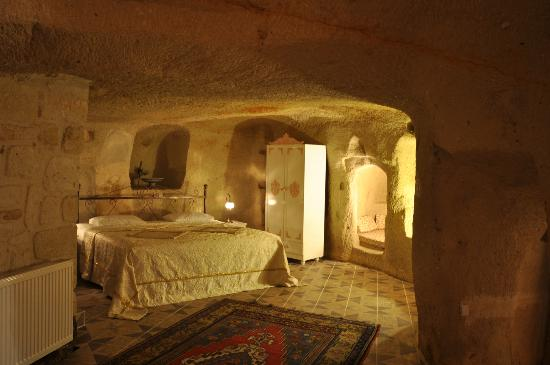 Sinasos History Cave Hotel: Cave room