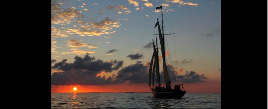 The Schooner Hindu, Hindu Charters: Sunset Sailing
