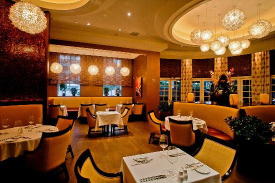 Essensia Restaurant & Lounge : Explore the pure essence of taste