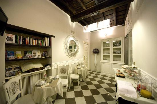 Locanda del Sole Luxury Suite Rome: Breakfast room