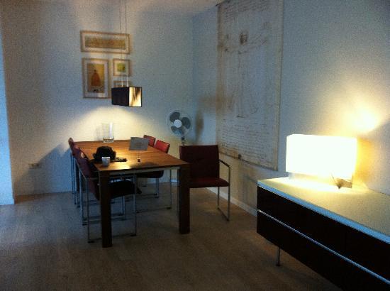 Htel Amsterdam: Lounge 2