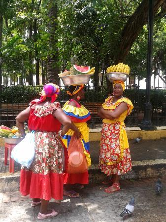 Palenqueras Ciudad Amurallada Cartagena De Indias