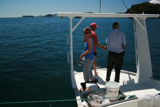 Te Kaihau Yacht Charters day trips: Fishing off the back of the boat