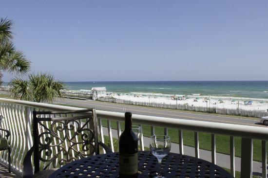 Beach Retreat Condominiums: Beach Retreat 207