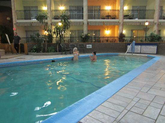 Ramada Fredericton: Nice pool area and view of inside rooms