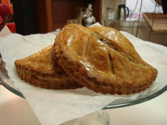 Walla Artisan Bakery & Cafe: Apple Turnover