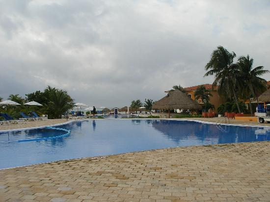 Ocean Maya Royale: pool