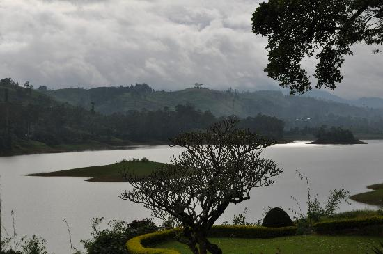 Ceylon Tea Trails - Relais & Chateaux: Sun coming out