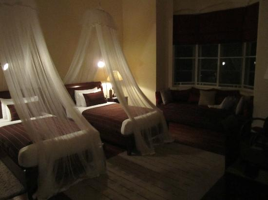 Ceylon Tea Trails: Luxury room