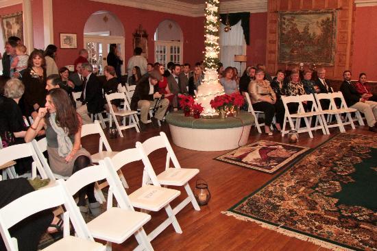 Brandon Inn: Ceremony in the Ballroom