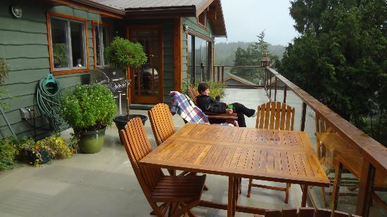 Bostrom's B&B On Little Beach Bay : Top deck