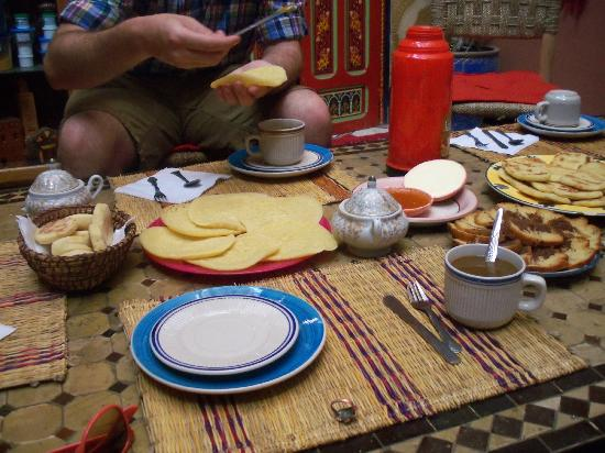 Hostel Riad Marrakech Rouge: Free breakfast