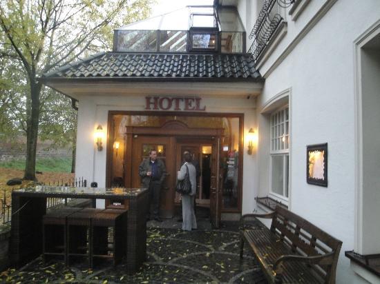 Hotel Schloss Friedestrom: entrance for Business center