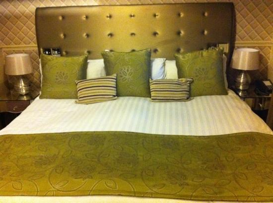 Dalziel Park Hotel & Golf Club: Extremely comfy bed!