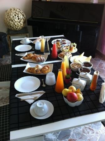 La Casa di El: fabulous breakfast at casa Di EL