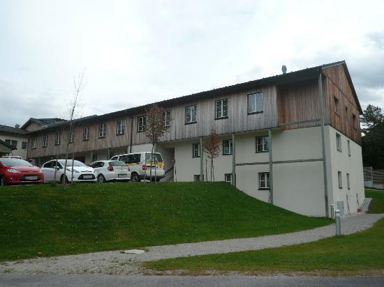 JUFA Hotel Bad Aussee: Ansicht vom unteren Parkplatz