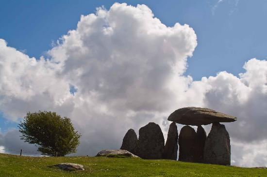 Pembrokeshire Photo Walks: Pentre Ifan Burial Chamber