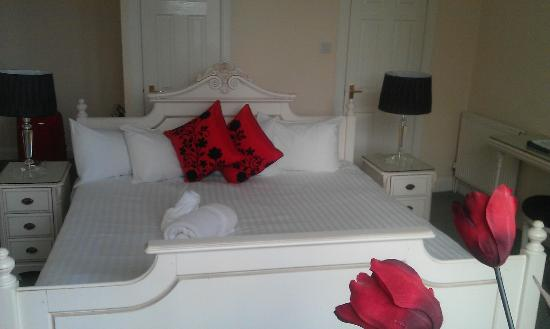 The Waterside Hotel: Superior Room No142