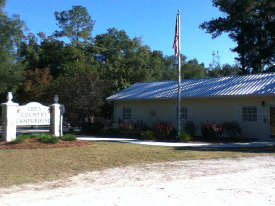 White Springs, FL: Entrance w/ office and community room.