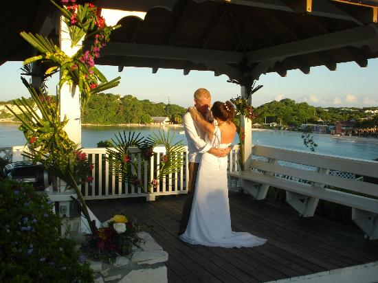 Pineapple Beach Club Antigua: Wedding with a view!