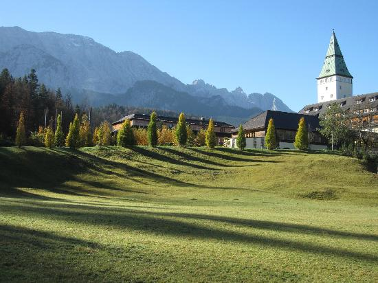 Schloss Elmau : Hotel and Mountains