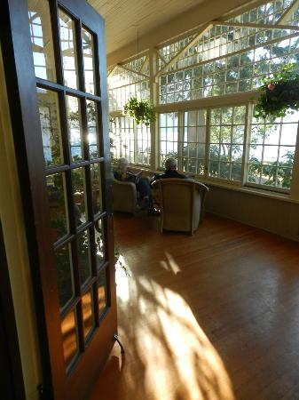Lake Crescent Lodge: the sun room