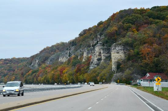 Alton, IL: Travel the Meeting of the Great Rivers National Scenic Byway for gorgeous views of the bluffs an
