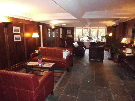 Best Western The Crianlarich Hotel: Lounge Area with open fire