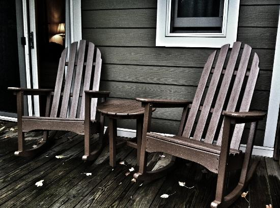 Village Inn of Blowing Rock: Deck Chairs