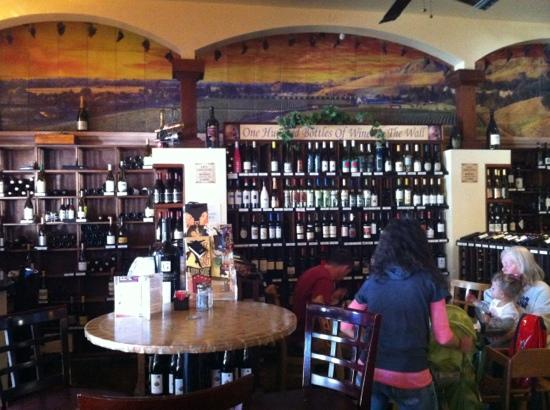 Milo's Cellar : nice cozy restaurant with collection of wines