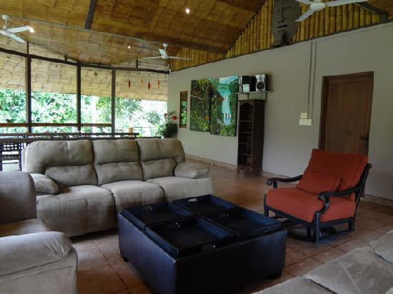Manoas: Upper Lounge Area overlooking the River