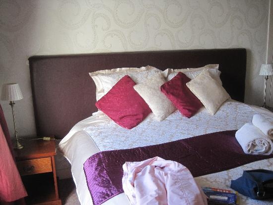 Mansefield Guest House: letto