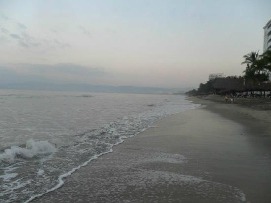Marival Resort & Suites: La belle grande plage.