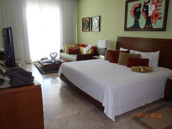 Mayan Palace at Vidanta Riviera Maya: Nice accommodations in the room