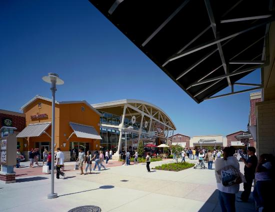 ‪Houston Premium Outlets‬