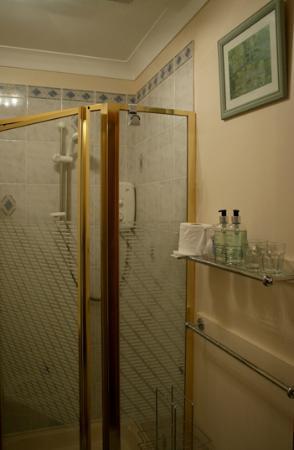 Morvich B&B: bathroom - room no.1