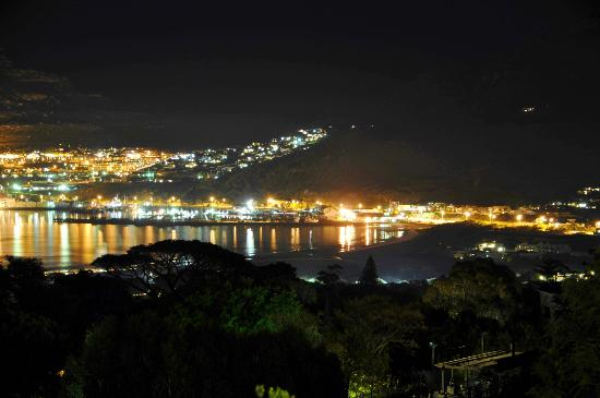 Amblewood Guest House: hout bay at night from Amblewood B&B