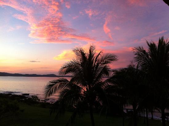 Rayong Resort Beach & Spa Retreat: Sunrise at Rayong Resort