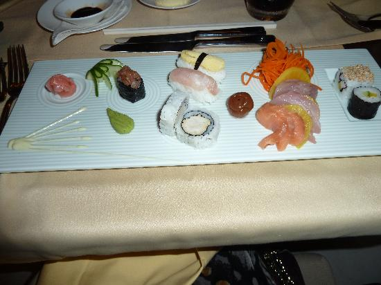 Jumeirah Dhevanafushi: one of our sushi starters
