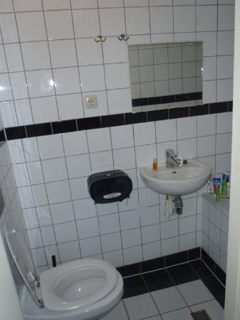 Solo Hostel: WC