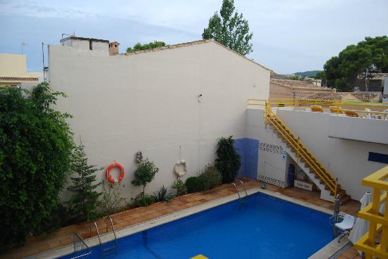 Bellavista Hotel: Vue du balcon, sur la piscine