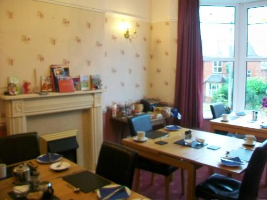 Ty Castell Guest House: Breakfast room