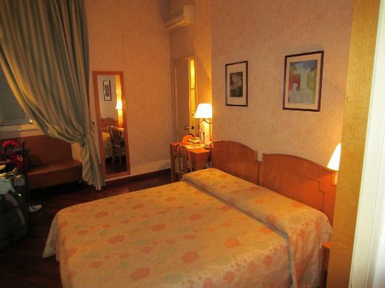 Hotel Fortuna: Room #109
