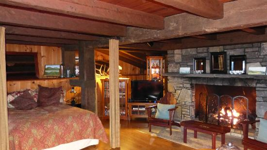 Ashokan Dreams Bed and Breakfast: Reservoir Suite