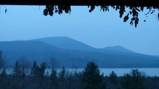 Ashokan Dreams Bed and Breakfast: View from your bed!