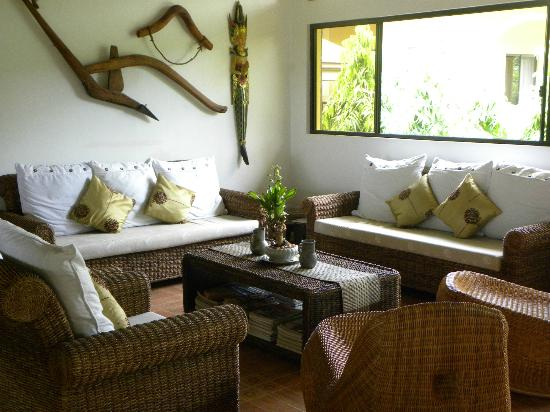 Turtle Bay Dive Resort: lounge area