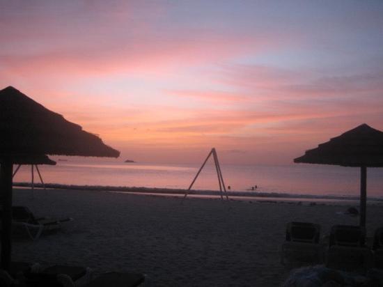Sandals Grande Antigua Resort & Spa: amazing sunsets at sandals!