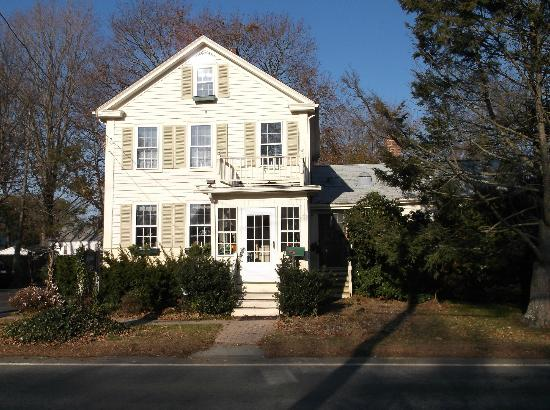 Nichols Guest House Bed and Breakfast: Facade