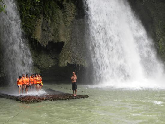 Turtle Bay Dive Resort: Kawasan Falls