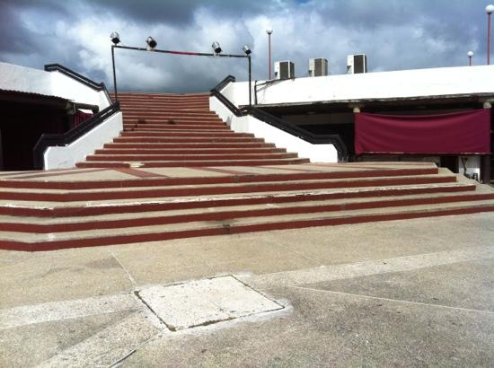 Tucacas, Venezuela: Área en donde realizan el show